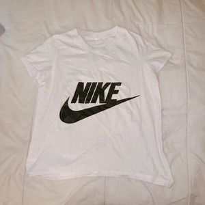 Mike T-shirt size M